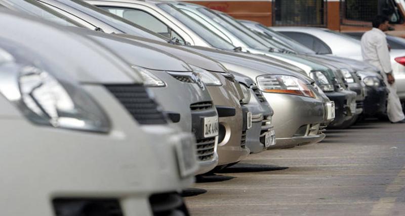 अप्रैल में यात्री कारों की बिक्री 5 फीसदी बढ़ी : सियाम
