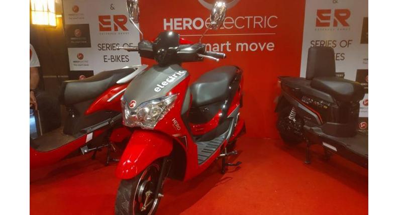 Hero Dash Electric Scooter लॉन्च, जानें कीमत और फीचर्स