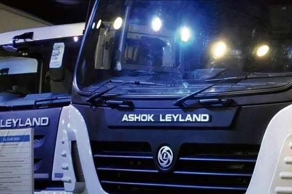 अशोक लेलैंड को मिले 1400 ट्रकों के ऑर्डर