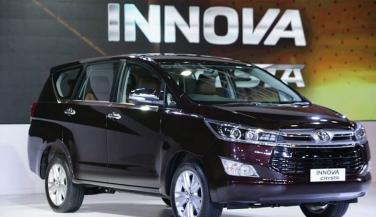 टोयोटा ने उतारा इनोवा क्रिस्टा का पेट्रोल वर्जन, जाने कीमत