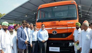 Tata Motors launched the Signa Truck Range, segment Best Mileage - Trucks News in Hindi