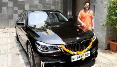 Sachin Tendulkar has now become the proud owner of the all-new 7 Series as well.