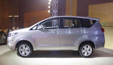 Mahindra will launch a new MPV soon. This new MPV  bump with Toyota Innova Criysta, have a look - Compact Car News in Hindi