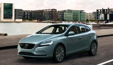 Volvo India ने उतारे V4 व क्राॅस कंट्री के नए अवतार