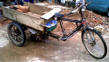 बेहतर सवारी साबित हो रहा है स्कूटर रिक्शा