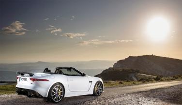 कुछ खास है Jaguar F-Type SVR, लाॅन्च जल्दी