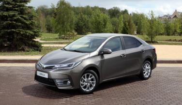 अगले महीने आ सकता है Corolla Altis का फेसलिफ्ट वर्जन
