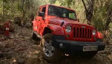 यह है Jeep Wrangler Unlimited का पेट्रोल वेरिएंट, देखा क्या...