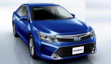 देश में लाॅन्च हुई 2017-Toyota Camry Hybrid