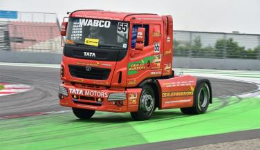 Tata Motors has announced that the fourth season of the T1 Prima truck racing championship. Buddh International Circuit will continue to be the venue of the racing series. - Trucks News in Hindi