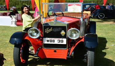 जयपुर की प्रदर्शनी में छाई विंटेज कारें, रैली कल
