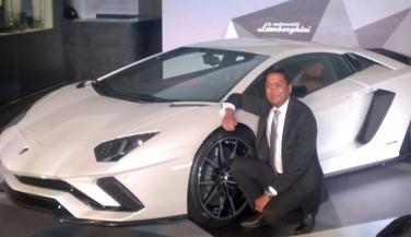 देश में आई नई Aventador S स्पोर्ट्स कार