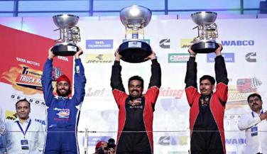 नागार्जुन ने पहना T1 Prima Trucks Champion विजेता का ताज