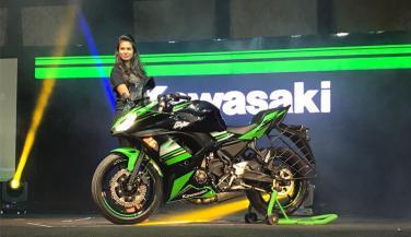 Kawasaki की ये मोटरसाइकिलें सड़कों पर दौडेंगी नहीं, उडेंगी …