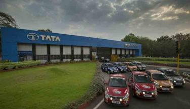 Tata Motors की बिक्री में गिरावट, घरेलू बिक्री बढ़ी