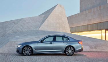 यह है BMW की नई 5-सीरीज़, फीचर्स देखकर हो जाएंगे दंग