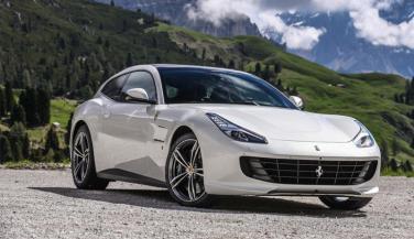 देश में लॉन्च हुई Ferrari GTC4Lusso, कीमत जान हो जाएंगे हैरान