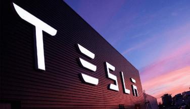 Tesla Motors ने बेचे 22 हजार इलेक्ट्रिक व्हीकल
