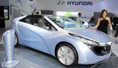 इलेक्ट्रिक कार लाने की तैयारी में HYUNDAI, सिंगल चार्ज में 500 किमी