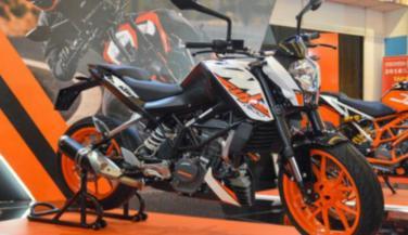 केटीएम ड्यूक 200 नए माउंटेड एग्जॉस्ट के साथ, इस बाइक से होगा मुकाबला