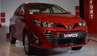 Toyota Yaris mid sized Sedan लॉन्च, ये है कीमत, इन्हें देगी टक्कर