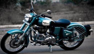 Royal Enfield Classic 500 ABS Priced at Rs 2.10 Lakh - Standard Bike News in Hindi
