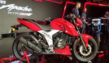 TVS Motor ने 6 महीने में बेची 1 लाख नई Apache मोटरसाइकिल