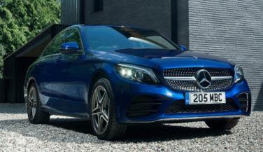 Mercedes-Benz C-Class Petrol भारत में लॉन्च, कीमत...