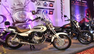 BAJAJ की इन बाइकों में शामिल हुआ एबीएस नया फीचर