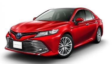 New-Gen Toyota Camry डिलरशिप्स तक पहुंची, इस दिन होगी लॉन्च