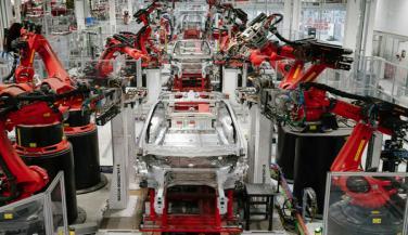 टेस्ला ने 18 दिनों के लिए बंद किया मॉडल एस और एक्स का उत्पादन