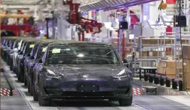 कारों की बिक्री बढ़ने से टेस्ला ने तीसरी तिमाही में 1.62 अरब डॉलर कमाए