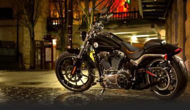 Harley Davidson Breakout : फीचर्स और डिजायन में है शानदार