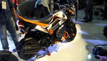 Auto Expo 2016 : Honda ने Launch किया 110 cc Navi Two Wheeler