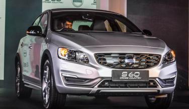 Volvo S60 Cross Country लॉन्च, कीमत 38.9 लाख रुपए