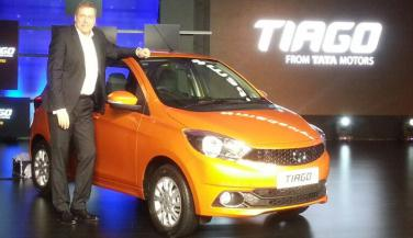 Tata Tiago भारत में Launch, कीमत 3.39 लाख रुपए से शुरू