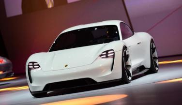 कुछ ऐसी होगी पोर्श की इलेक्ट्रिक कार